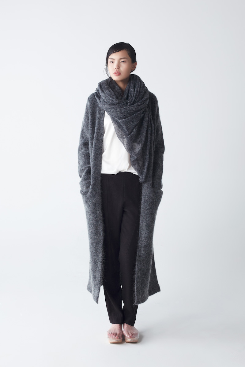 neemic_afternoon_ora-knit-scarf-anthracite_4909